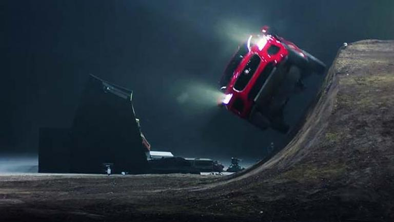 Jaguar E-PACE: James-Bond-Stunt