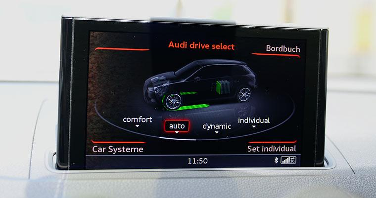 Audi A3 e-tron Screen