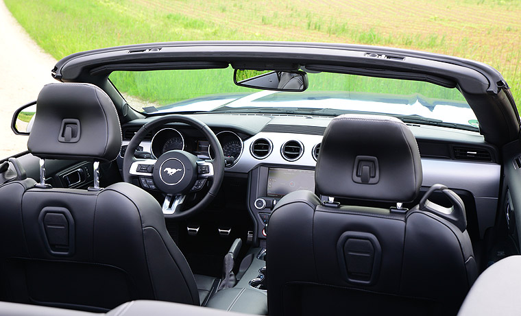 Ford Mustang Cabriolet Cockpit