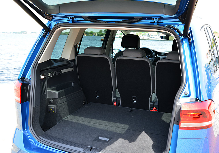 vw touran autobildde. Black Bedroom Furniture Sets. Home Design Ideas
