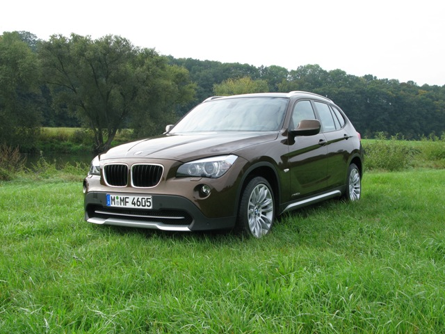 bmw x1 zuwachs im sav segment. Black Bedroom Furniture Sets. Home Design Ideas