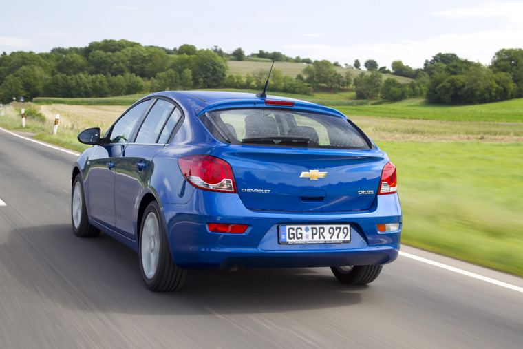 chevrolet_cruz_fh_fahrdynamik_back