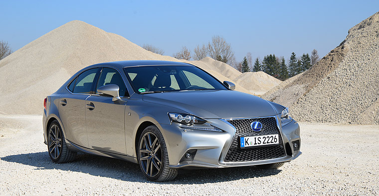 Lexus IS300h Neuwagen