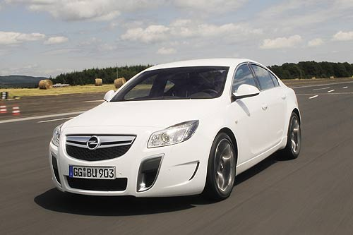 opel insignia opc mit 239 kw. Black Bedroom Furniture Sets. Home Design Ideas