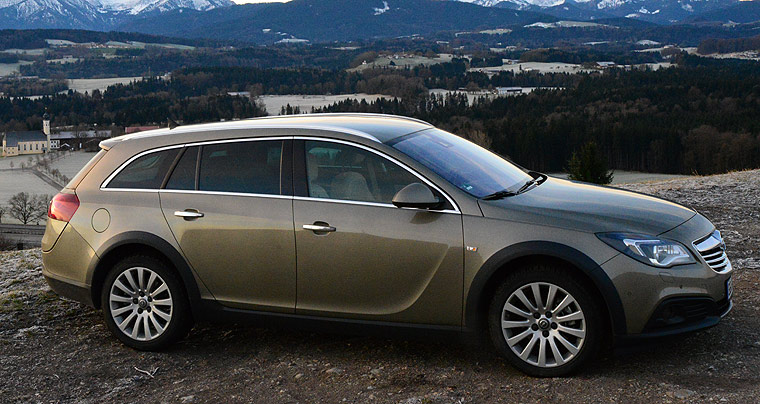 opel insignia country tourer anschluss. Black Bedroom Furniture Sets. Home Design Ideas